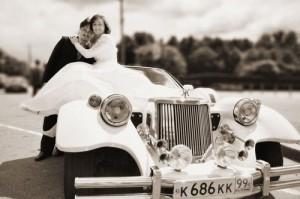 Аренда лимузина на свадьбу - замечательный выбор для красивой фотосессии