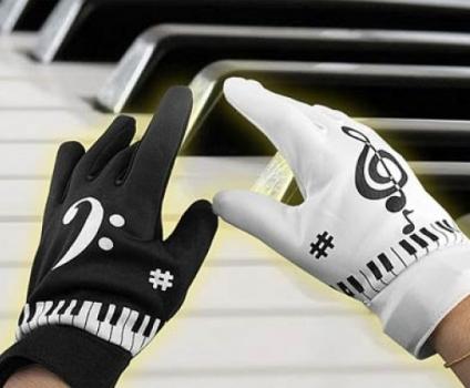 Новое слово в музыке - музыкальные перчатки.