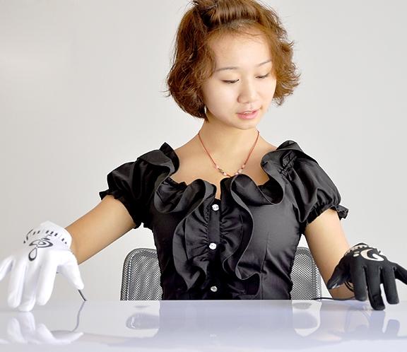 Музыкальные перчатки - замена дорогими громоздким инструментам