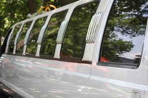 Аренда лимузина на свадьбу - роскошный свадебный кортеж гарантирован